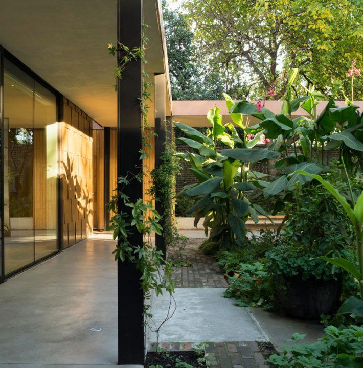 Secret Garden: Silent Space